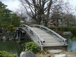 東本願寺 橋.jpeg