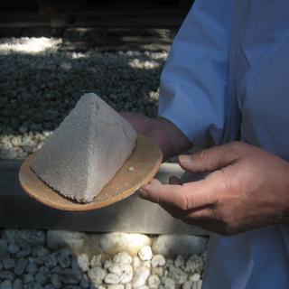 神宮 御塩 塩かための土器1.jpeg
